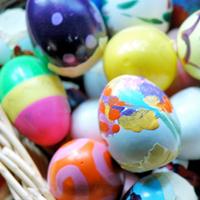 Eieren beschilderen en kuikentjes maken